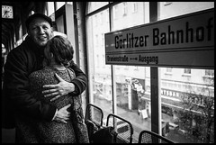 Grlitzer Hug (GioMagPhotographer) Tags: berlin love germany subway happy hug leicamonochrom