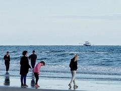 ? (Wischhusenpixel) Tags: strand boot meer natur frieden menschen dnemark nordsee schiff watt umwelt glcklich kutter fan connywischhusen wischhusenpixel