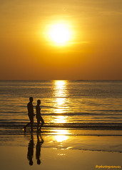 Sunset Stroll (HappySnapper_1) Tags: sunset sea orange reflection water couple outdoor stroll kohchang