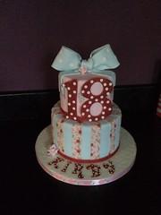 #18thbirthdaycake #cathkidston #cathkidstoncake #bow #polkadots (Andrias cakes scarborough) Tags: polkadots bow cathkidston 18thbirthdaycake cathkidstoncake
