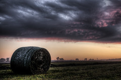 Stormy Morning (Klaus Ficker) Tags: usa sun storm sunrise canon morninglight kentucky harvest ernte frankfort eos5dmarkii kentuckyphotography klausficker