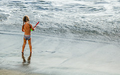 Girl on a beach in Arguineguin (thorrisig) Tags: ocean sunlight beach grancanaria children child play orri thorri brn strnd sunsine dorres slarstrnd leikur arguineguin sjrinn sigurgeirsson orfinnur thorfinnur thorrisig orrisig thorfinnursigurgeirsson orfinnursigurgeirsson sigurgeirssonorfinnur flarmli