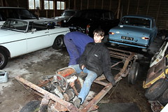 Restoring the Reliant Robin (Davydutchy) Tags: auto holland classic netherlands robin car project coach automobile father son off voiture vehicle oldtimer restoration chassis paysbas friesland niederlande 850 reliant restauratie threewheeler dreirad klassiker frysln pkw driewieler nieuwehorne carosserie nijhoarne