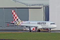 A319-111 EI-FMT VOLOTEA (shanairpic) Tags: irish shannon a319 jetairliner airbusa319 volotea eifmt