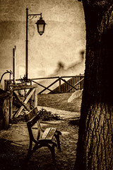 Raccontando_la_nostra_storia (Danilo Mazzanti) Tags: muro photography foto photos quadro fotografia albero lampione fotografo danilo panchina seppia mazzanti roccagrimalda danilomazzanti wwwdanilomazzantiit