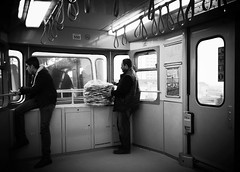 Istanbul/Metro (ilk adımlar / les premiers pas) Tags: la noir metro istanbul ve et blanc beyaz vie hayat siyah simitci