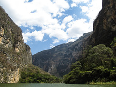 """Cañon del Sumidero <a style=""""margin-left:10px; font-size:0.8em;"""" href=""""http://www.flickr.com/photos/127723101@N04/25686163456/"""" target=""""_blank"""">@flickr</a>"""