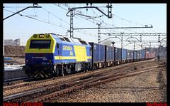 El Bilbao (renfealvia) Tags: madrid espaa train de tren trenes spain europa trains 333 expreso empresas contenedores empresa teco privada privadas renfe 381 vallecas mercancias mercanca 3381 mercancas 333381 bilbaoabroigal