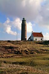 Texel, de vurtoren bij De Cocksdorp, Nederland 1994 (wally nelemans) Tags: lighthouse holland waddeneiland nederland thenetherlands 1994 vuurtoren texel decocksdorp