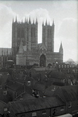 Lincoln Cathedral (pho-Tony) Tags: blackandwhite bw white black classic film 35mm germany lens europe rangefinder mount german lincoln 100 rodinal eastern svs 1953 wetzlar mxv fomapan100 breech coupledrangefinder fomapan 2850 prontor f26 interchangeable leafshutter leidolf lordomat fomapan100classic lordonar leidolflordomat 50mmf28leidolfwetzlarlordonar