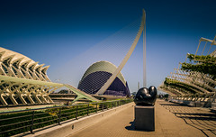 Jimnez Deredia.  Genesis egg (Tiigra) Tags: city travel bridge sculpture plant valencia statue architecture garden nude spain vine es lattice valncia 2015 comunidadvalenciana