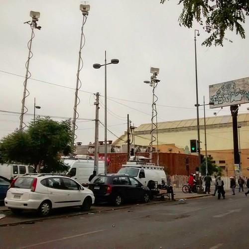 La cagá a la salida de Tirso!! Por el ex presidente fallecido.  ig: #city, #future, #antenna, #television, #cars, #wagon, #cloudy, #urban, #santiago, #chile, #instafollow, #instalike, #instagood.