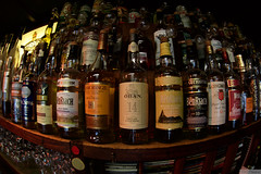 Donald's Pub (serguei_30) Tags: bar canon fisheye whisky zenitar zenitar16mm 6d rhum nevers canon6d photographefranais sergueidoublov romandoublet