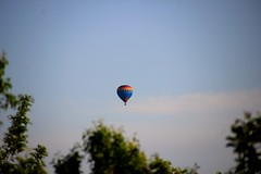 Apparition over the Trees (marinela 2008) Tags: county colors balloon
