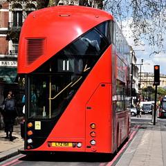 lt511 (Harry Halibut) Tags: road red bus london art public lights traffic palace images master boris buckingham allrightsreserved londonbuildings londonarchitecture no11 imagesoflondon colourbysoftwarelaziness publicartinlondon lt511 ltz1511 2016andrewpettigrew london1604271173