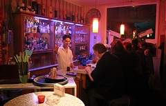 HANNOVER - COSMOS (Punxsutawneyphil) Tags: man guy guests bar club night germany deutschland europa europe linden hannover drinks alemania mann nightlife hanover kneipe theke nachtleben niedersachsen lowersaxony barkeeper gste lindennord bajasajonia