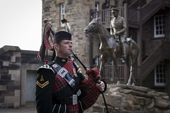 Piper at National War Museum (National Museums Scotland) Tags: edinburghcastle lifesupport nationalwarmuseum nationalmuseumsscotland theroyalregimentofscotland