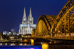 Cattedrale di Colonia (Luciano Fochi) Tags: bridge night germany bonn cathedral cologne kln colonia reno rhein drachenfels konigswinter renania kln