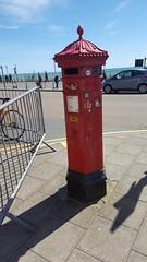 BN2 357D (robert_2760) Tags: brighton postbox penfold