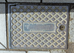 TH Jones Access Cover, Almshouse Street, Monmouth 28 April 2016 (Cold War Warrior Follow Me on Ipernity) Tags: castiron monmouth manhole accesscover thjones