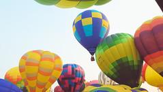 Lubao Hot air Balloon at Pradera Verde (5 of 29) (Rodel Flordeliz) Tags: travel sky hot air balloon billboard adventure oxygen riding hotairballoons pradera pampanga bataan lubao lubaohotair