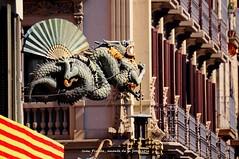 Barcelona, La Rambla (j66pineda) Tags: lasramblas rambles dragn sigmaaf70300mmf456apodgmacrolarambla