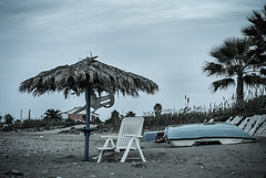 L' inverno sta arrivando (SDB79) Tags: mare inverno sedia freddo spiaggia plastica ombrellone pattino