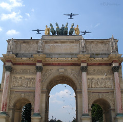 Flyby over the arch (eutouring) Tags: paris france architecture plane aircraft aeroplane planes flyby arcdetriompheducarrousel
