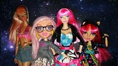 Pinked! (Bratz Guy) Tags: pink barbie mattel aria bratz cloe tokidoki electropop 2015 toki doki mgaentertainment dynamitegirls howleen integrtiytoys monsterhigh howleenwolf 13wishes selfiesnaps