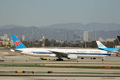 China Southern, Boeing 777-300ER (Ron Monroe) Tags: boeing lax airlines 777 airliners klax chinasouthern b2008