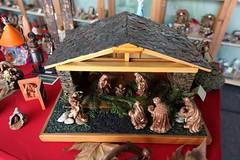 IMG_3662 (camaradecoimbra) Tags: portugal natal navidades merrychristmas christmastime painatal sagradafamlia rainhasanta acadmica joyeuxnoel meninojesus queimadasfitas briosa bolasdenatal mercadodpedrov prespiosartesanais artesosdecoimbra burningribbons