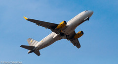 You're the Vueling that I Want (Oscar Snchez Photo) Tags: that bcn youre want spotting a320 vueling i lebl