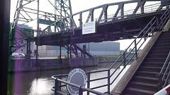 Pont de Buda et Inland Tanker Castor, Zwijndrecht (chando*) Tags: brussels canal video bruxelles inland pniche barge tanker castor pontdebuda