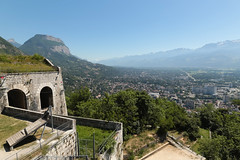 Fort de la Bastille - Grenoble (France) (Meteorry) Tags: france mountains june grenoble europe view valley viewpoint montblanc pointdevue montagnes massif valle 2015 isre rhnealpes meteorry massifdelachartreuse montsainteynard fortdelabastille grenoblealpesmtropole auvergnerhnealpes belvdrevauban