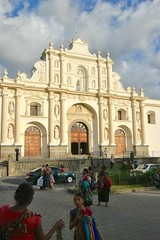 DSC_5817 (Kent MacElwee) Tags: park sky people church latinamerica clouds highlands guatemala religion historic antigua mayan plazamayor centralamerica parquecentral 1541 saintjosephcathedral spanishcolonialcity