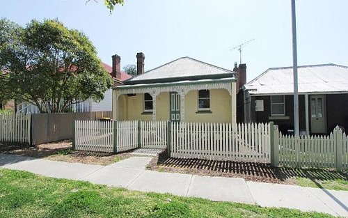 86 Coromandel St, Goulburn NSW 2580