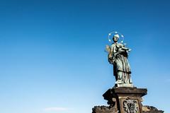Praha Prag Prague (Hi~Rabbit) Tags: bridge czech prague prag charles praha most cz republika karlv  prask esko esk   kamenn