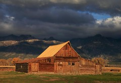 _G6T6929 T.A. Moulton Barn (BKP2010) Tags: fall grandtetonsnationalpark moultonbarn mormanrow