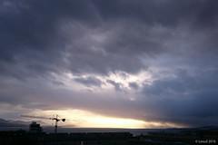 Une grue (Lesud07) Tags: cloud nuage grue hoist
