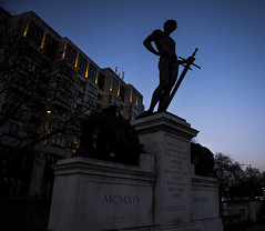 Commemoration (Nick.Richards) Tags: london silhouette statue evening nikon memorial nickrichards bluehour warmemorial plinth lightroom hydeparkcorner commemoration machineguncorps d7100 nikon1685 nikond7100