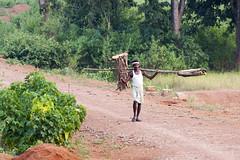 Bastar - India (wietsej) Tags: india man zeiss rural sony tribal jungle 135 18 a700 chhattisgarh bastar sal135f18z
