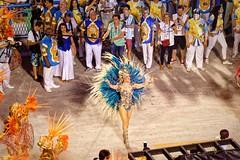 Brava (Rice Bear) Tags: carnival brazil rio brasil riodejaneiro br feathers carnaval carioca sambadromo passista sambadrome carnival2016 riocarnival2016