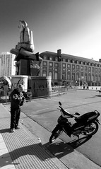 falla valenciana 2016 (Fer Gonzalez 2.8) Tags: bristol morninglight blackwhite mardelplata monocrhome streetartexhibition leicadlux4