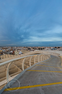 Seville Jan 2016 (5) 814  - Around and about the Metropol Parasol in Plaza de la Encarnacion at the other end of the day this time - waiting for the sunset