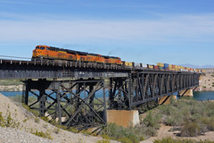 BNSF 6934 Topock CA (Gridboy56) Tags: railroad usa america train trains coloradoriver locomotive ge railways bnsf locomotives generalelectric railfreight topock