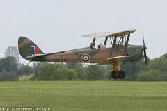 G-AXXV - 1944 Morris Motors built De-Havilland DH.82A Tiger Moth, on final approach to RAF Halton (egcc) Tags: tigermoth raf biplane lightroom dehavilland halton royalairforce wookey rafhalton dh82a 85852 gipsymajor egwn morrismotors de992 gaxxv fbgji