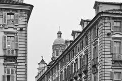in dono (italo dei silenzi) Tags: torino novembre piemonte forme piazzacastello viagaribaldi simboli pigreco incarnazione