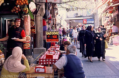 ISTAMBUL 13 (eltercerojo) Tags: street turkey streetphotography kebab istambul bazar zoco streetphotographer turkia streephoto