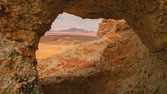 Desierto de Atacama de camino al Salar de Tara - Chile (Made Bulkes) Tags: chile volcano rocks desert tara salt atacama desierto salar rocas reserva volcan desiertodeatacama reservanacional nortedechile reservanacionallosflamencos salardetara losflamencos