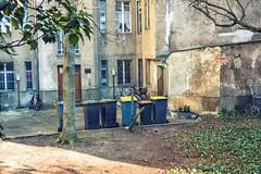 Backyard, Berlin-Kreuzberg (Fliwatuet) Tags: berlin kreuzberg germany de deutschland backyard panasonic ostern m43 mft em5 20mm17 olympusomd